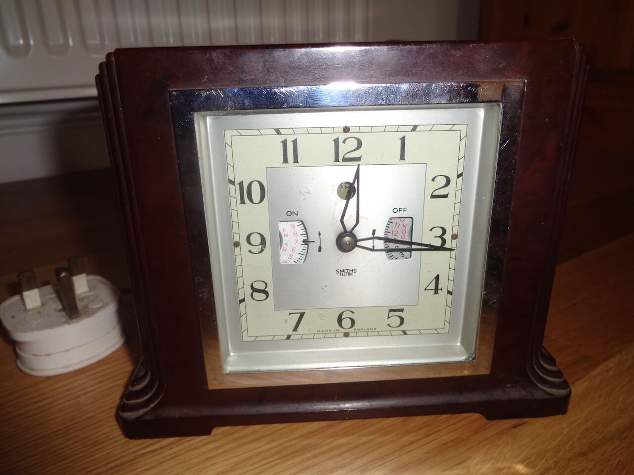 Smiths electric clock.
